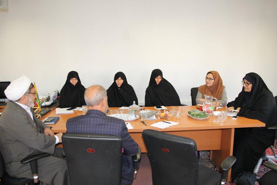 مرکزی | لزوم مشارکت حوزه در برنامه های فرهنگی و ارتقای سطح دینی افراد تحت پوشش