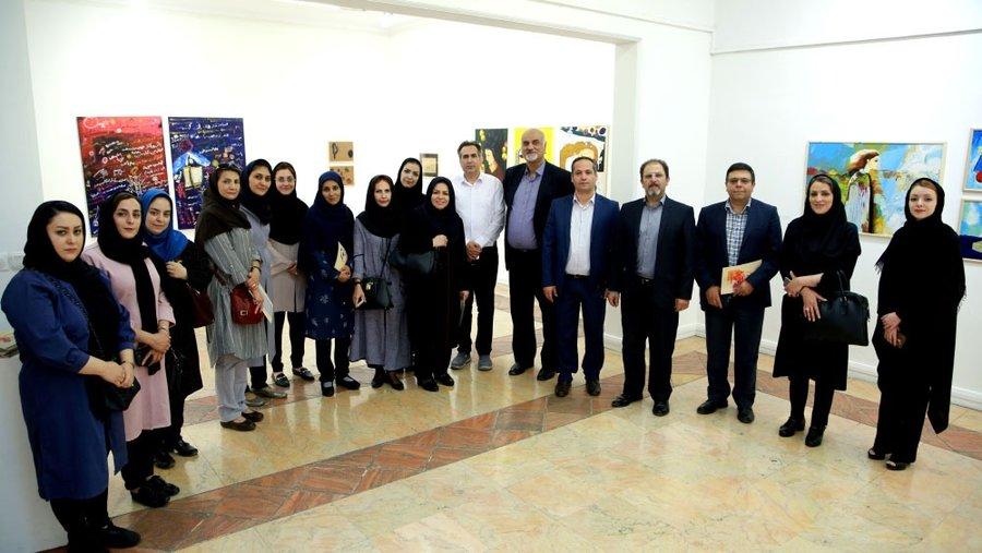 آذربایجان غربی| حضور مدیر کل بهزیستی استان در نمایشگاه نقاشی بیماران اعصاب وروان