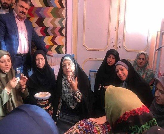 کردستان| سنندج |بازدید ابتکار، معاون رئیس جمهور در امور زنان و خانواده از آموزشگاه ترنج در سنندج