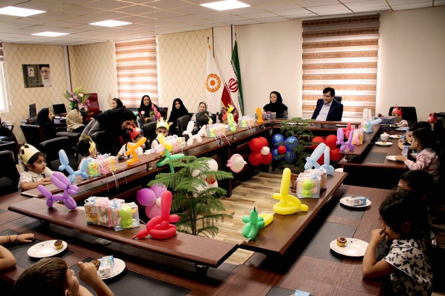البرز | مدیر کل بهزیستی البرز میزبان جمعی از کودکان مهدهای کودک بود