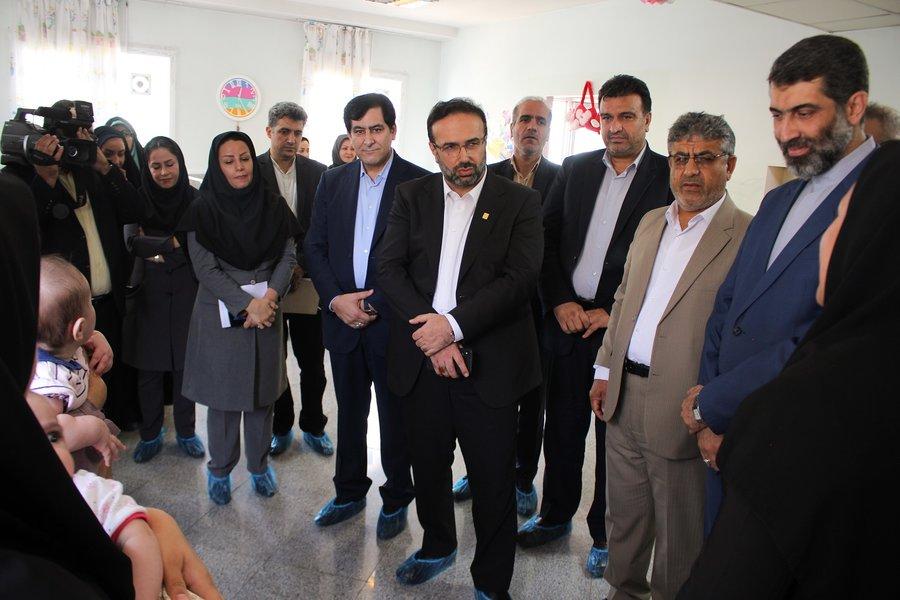 البرز | رئیس کل دادگستری استان البرز از شیرخوارگاه امام علی (ع) کرج بازدید بعمل آورد