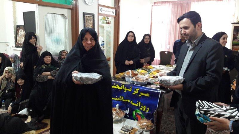 گلستان|علی آباد کتول| جشنواره غذا با حضور سالمندان مرکز یاس برگزارشد