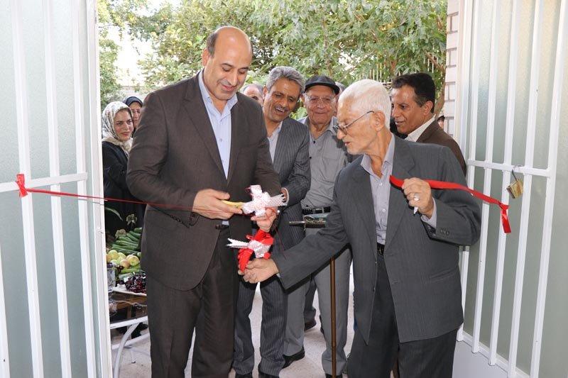 کرمان|راه اندازی مراکز روزانه را برای حمایت از عواطف سالمندی و حفظ بنیان خانواده بر مراکز شبانه روزی ترجیح می دهیم