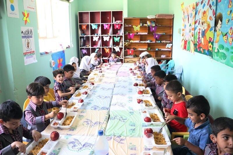 بوشهر |  ۴۱۳۹ کودک در مهدهای کودک  استان بوشهر از یک وعده غذای گرم برخوار شد