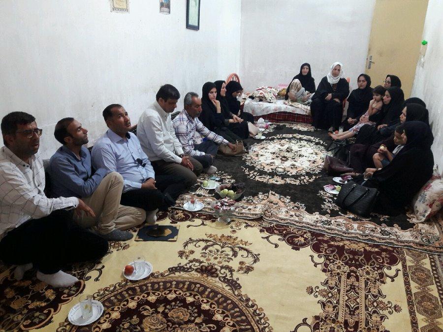 بوشهر| دیلم | دیدار رییس بهزیستی شهرستان دیلم با خانواده شهید محمود عباسی