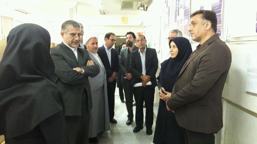 همدان |شهرستان همدان|هم اندیشی و بررسی مشکلات مرکز اورژانس اجتماعی با حضور  دادستان استان همدان