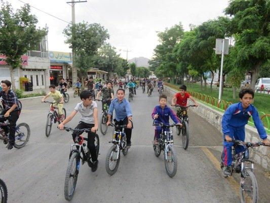 اصفهان  فریدونشهر  برگزاری همایش دوچرخه سواری