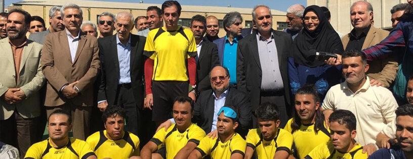 حضور دکتر شریعتمداری وزیر تعاون، کار و رفاه اجتماعی در تمرین فوتبال نابینایان