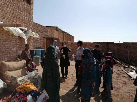 گزارش تصویری | توزیع اقلام بهداشتی و آموزش نکات بهداشتی بین کودکان کار ساکن در سکونتگاهها غیررسمی یزد (منطقه کشتارگاه)