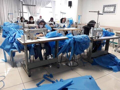 ۱۵۰ مددجو بهزیستی خراسان جنوبی مشغول تولید اقلام بهداشتی هستند
