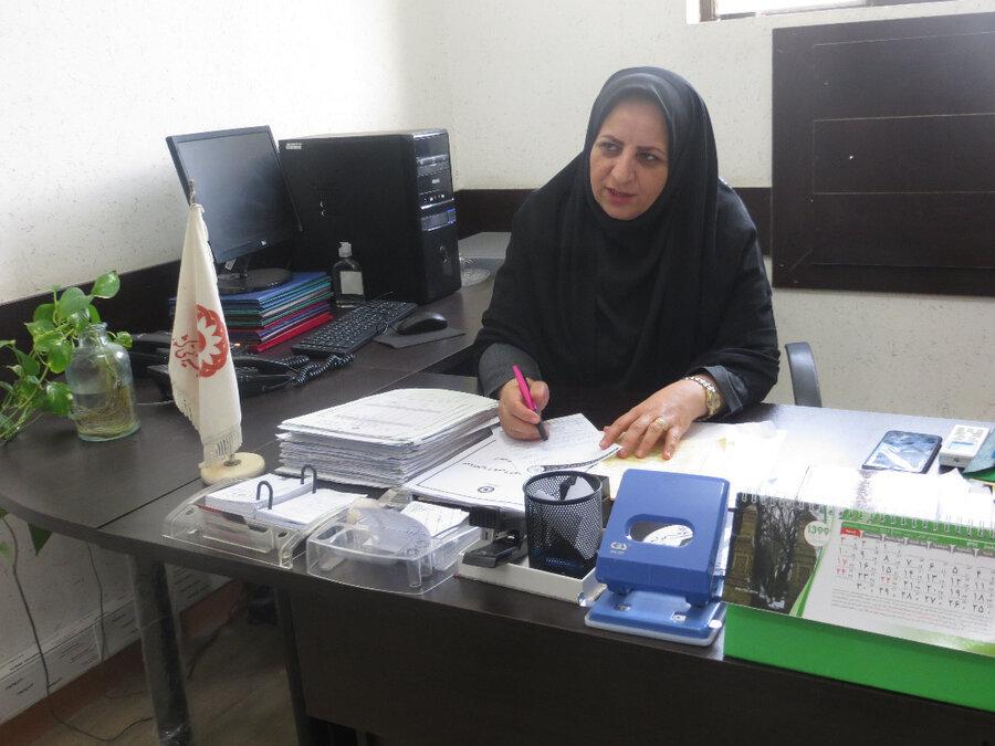اهداء۳ دستگاه تلفن همراه هوشمند به دانش آموز تحت پوشش مدیریت بهزیستی شهرستان بوشهر