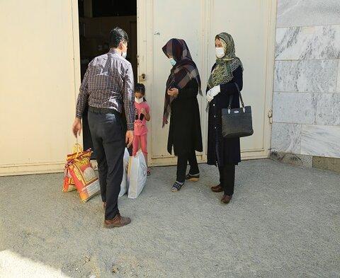 گزارش تصویری / کمکهای ایران همدل بانک ملی به مددجویان تحت پوشش بهزیستی استان کردستان