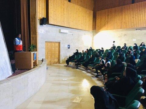 کارگاه آموزشی پیشگیری از اعتیاد و مهارت های زندگی در شهرستان ایرانشهر برگزار شد