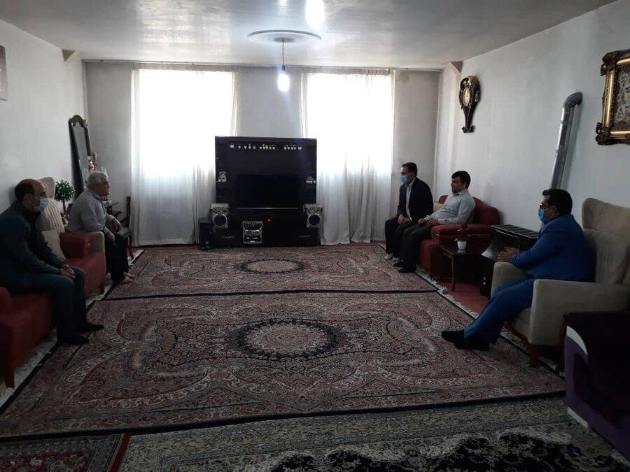 بهارستان |سرکشی سرپرست فرمانداری بهارستان از چند خانواده روشن دل
