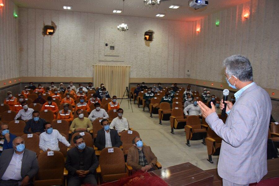 خواف   برپایی جلسه آموزشی سلامت روان برای کارکنان شهرداری خواف