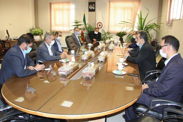 دیدار سرپرستبهزیستی استان اصفهان با مدیر شعب بانک صادرات