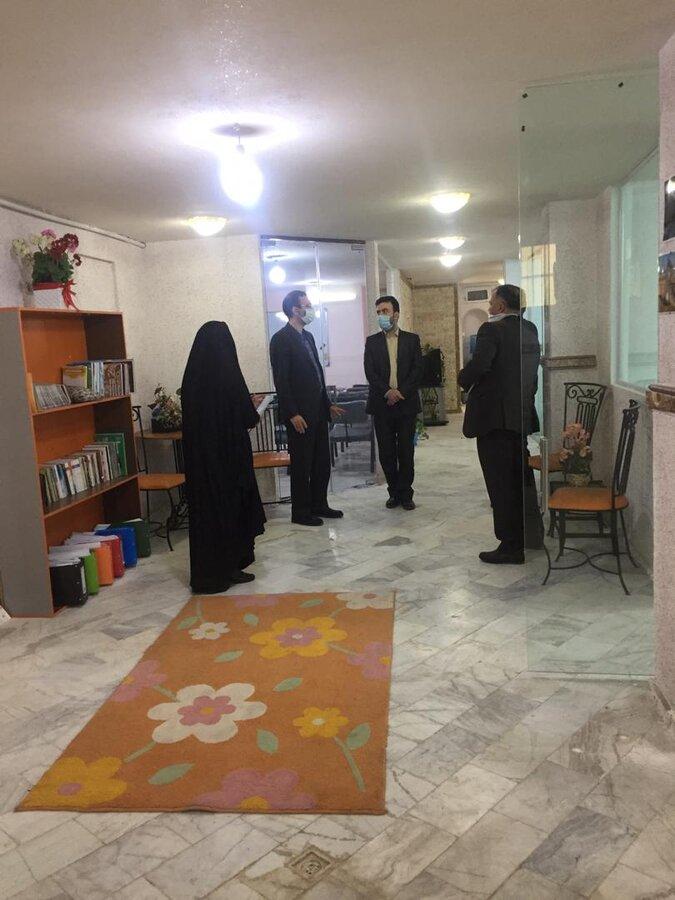 بازدید مدیرکل بهزیستی استان قم از مراحل تجهیز و آماده سازی مراکز مثبت زندگی