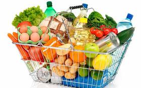 ایلام| مشارکت خیر ایلامی در توزیع سبدهای غذایی بین مددجویان