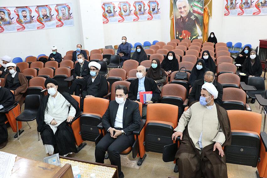 برگزاری نشست تخصصی و آموزش توجیهی رابطین نماز و امامان جماعت ادارات بهزیستی گیلان