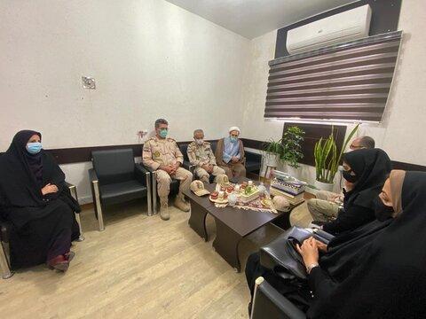 فرمانده مرزبانی استان بوشهر با سرپرست مدیریت بهزیستی شهرستان بوشهر دیدار کرد