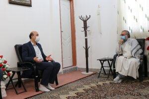 مدیرکل بهزیستی استان کرمان در دیدار با امام جمعه جیرفت بیان کرد:  نقش ائمه جمعه و جماعات در کاهش آسیبهای اجتماعی