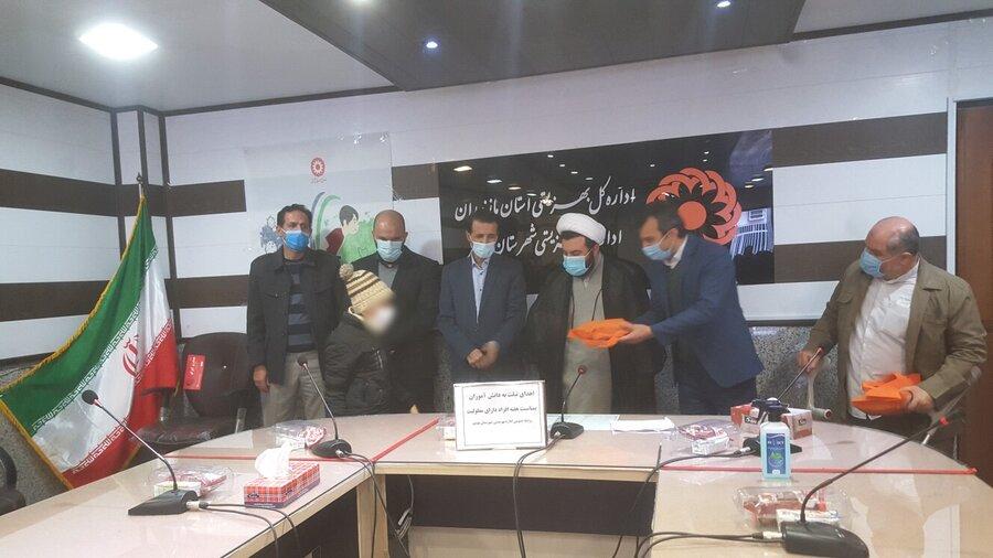 بهشهر  اهدا ۶ دستگاه تبلت به دانش آموزان جامعه هدف بهزیستی شهرستان بهشهر