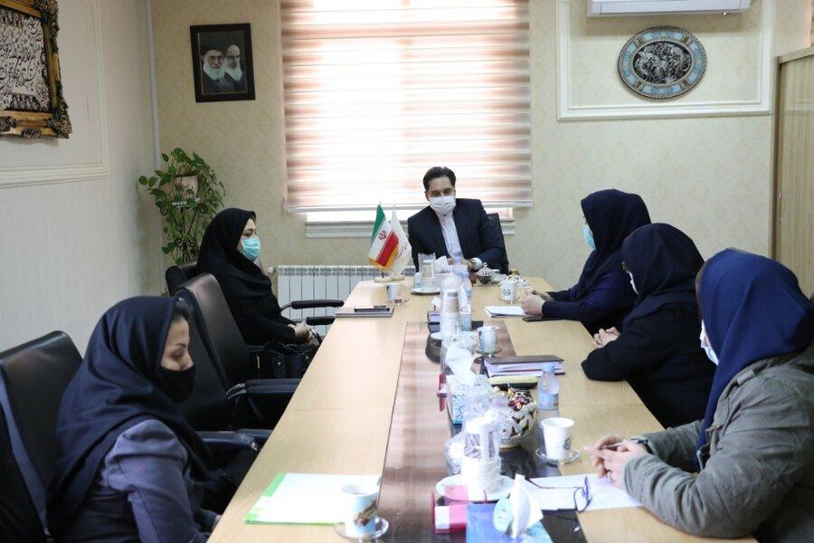 نشست مدیرکل بهزیستی استان گیلان با مدیرعامل و رئیس هیئت مدیره کانون مهدهای کودک