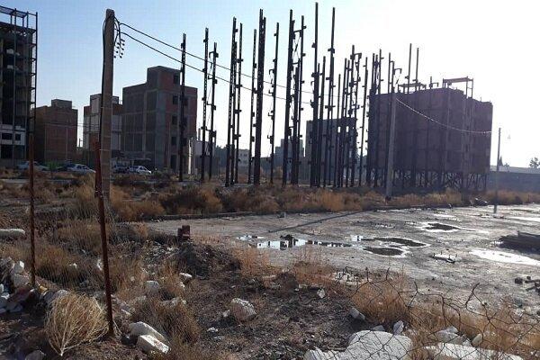 بی مهری مسکن مهر در کرمان؛ پیشرفت لاک پشتی«بیلوکاراه»/چشم انتظاری مددجویان بهزیستی ۱۰ساله شد