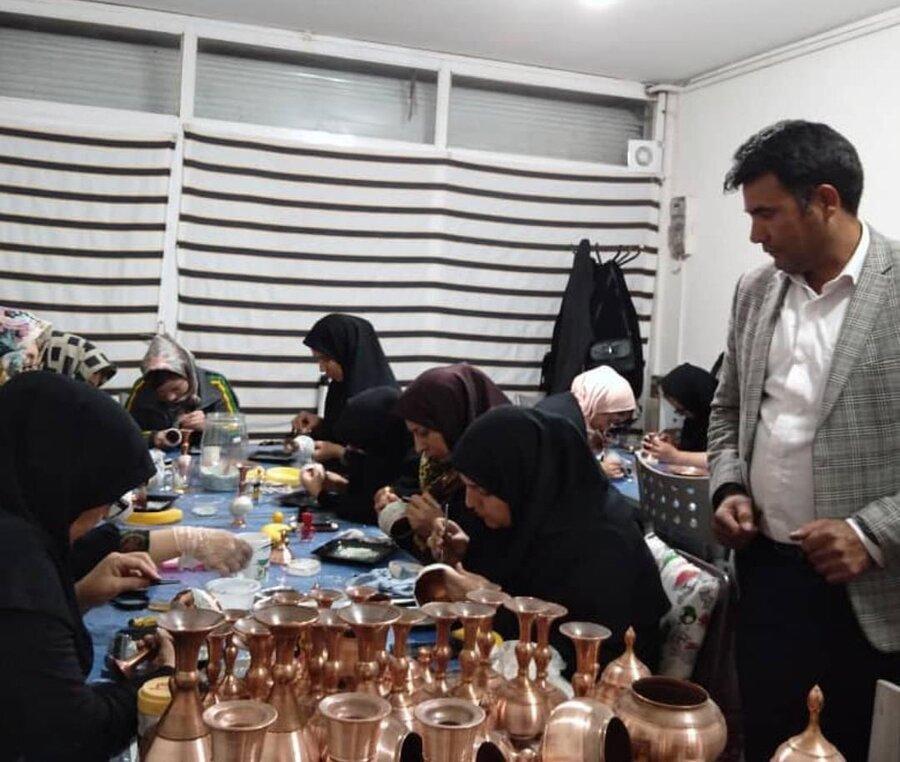 فیروزه | مددجوی توانمند فیروزهای 22 نفر را وارد بازار کار کرده است