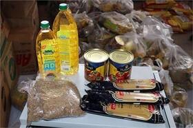 توزیع ۱۰۰ سبد غذایی اهدایی مجمع خیرین سلامت قم بین مددجویان