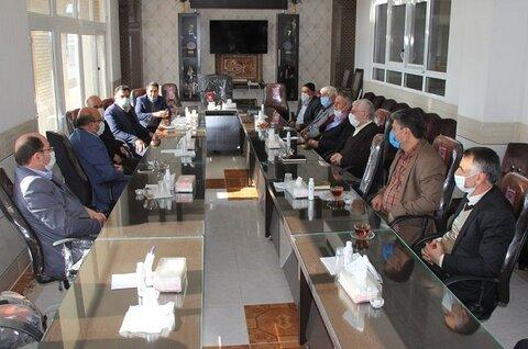 دیدار معاون استاندار و فرماندار و جمعی از خیرین از دهکده سالمندان نجف آباد