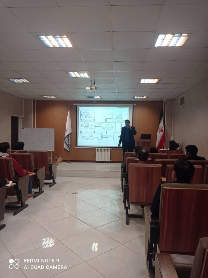 قرچک| برگزاری دوره آموزشی کمکهای اولیه برای مراکز بهبودی اقامتی