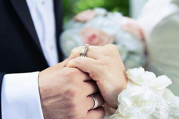 ۹ تازه عروس و داماد لامردی زیر سقف مهر خیرین زندگی خود را آغاز می کنند