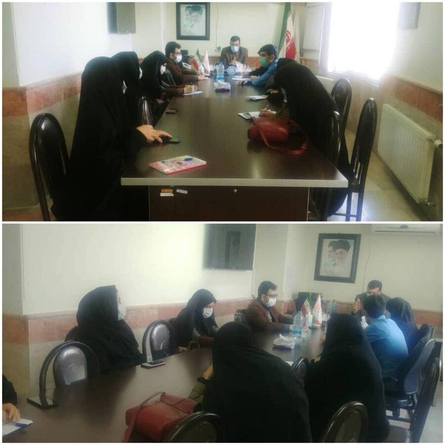 نظرآباد | نشست همکاران شهرستان نظرآباد با محوریت بررسی مراکز مثبت زندگی