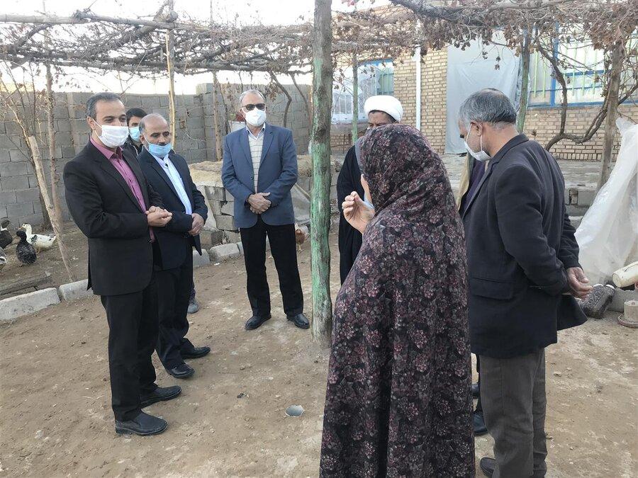 سرخس | بازدید رئیس بهزیستی سرخس از منازل مددجویان روستای کچولی
