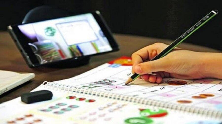 در رسانه   اهدای تبلت و گوشی هوشمند به کودکان کار در اندیمشک
