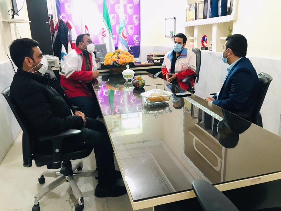 دیر|نشست رئیس اداره بهزیستی شهرستان دیّر با رئیس و معاونت هلال احمر شهرستان برگزار شد