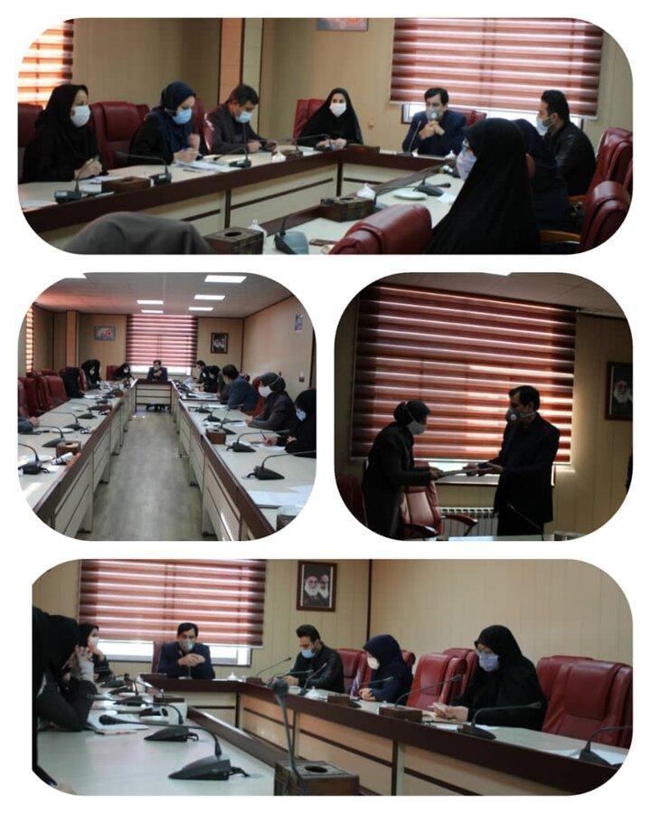 جلسه شورای اداری بهزیستی استان با محوریت ارائه برنامه های پیشنهادی به مناسبت هفته گرامیداشت مقام زن و روز مادر و مراکز مثبت زندگی برگزار شد