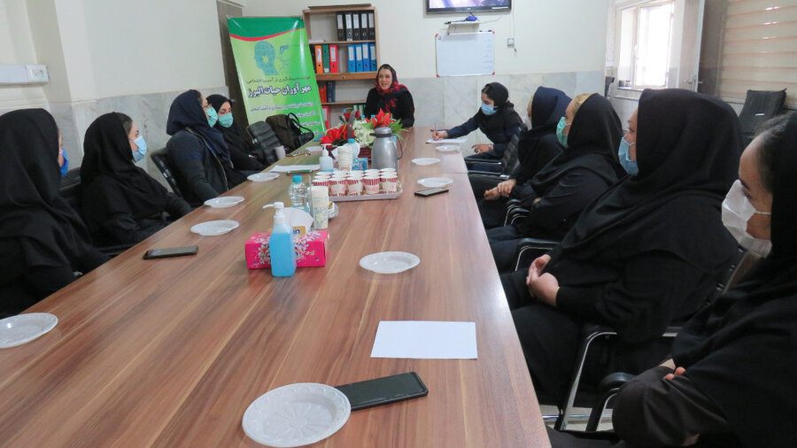 فردیس | برگزاری کارگاه آموزشی ویژه ی بانوان اداره در هفته گرامیداشت مقام زن