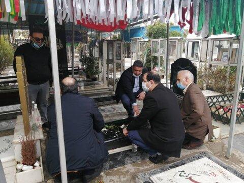 غبار روبی مزار شهدا به مناسبت دهه فجر