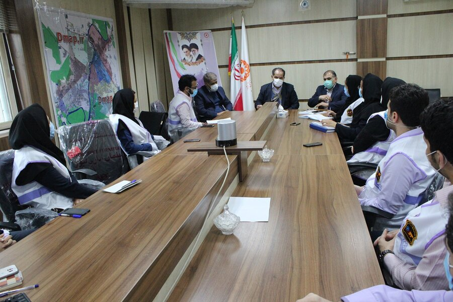 نشست هم اندیشی معاون اموراجتماعی سازمان بهزیستی کشور با کارشناسان اورژانس اجتماعی  اهواز