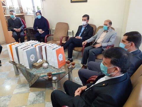 گزارش تصویری | اهدای تبلت به دانش آموزان نیازمند استان قزوین