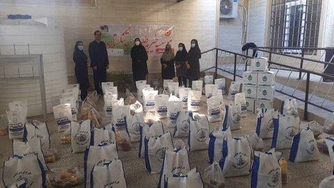 تنگستان  بسته های معشیتی به بین خانواده های تحت پوشش بهزیستی تنگستان  توزیع گردید