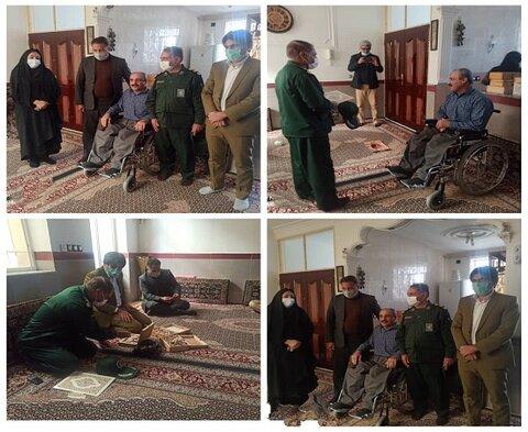 به مناسبت دهه فجر/ دیدار صمیمانه ی فرمانده سپاه شهرستان کامیاران با معلول موفق ضایعه نخاعی