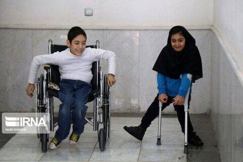 در رسانه   معلولان زنجانی از خدمات ستارهدار بیمه سلامت بهرهمند میشوند