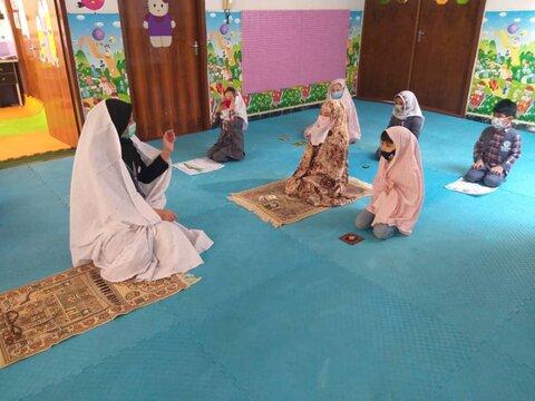 برگزاری جشنواره قصه گوی نماز ویژه مهدهای کودک در آذربایجان غربی