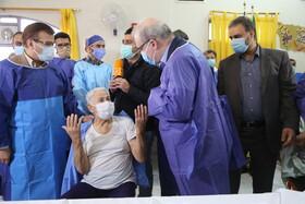 ۲۰ هزار سالمند و معلول از فردا واکسن کرونا را دریافت میکنند/ تا پایان شهریور ۱۴۰۰، اکثر گروههای هدف واکسینه میشوند