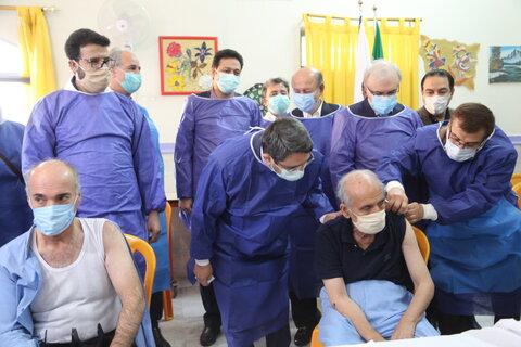 گزارش تصویری| آغاز واکسیناسیون معلولان و سالمندان با حضور وزیر بهداشت و رییس سازمان بهزیستی