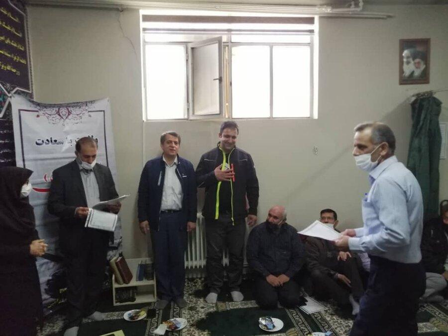ورامین  تجلیل از فعالان فرهنگ اقامه نماز در بهزیستی