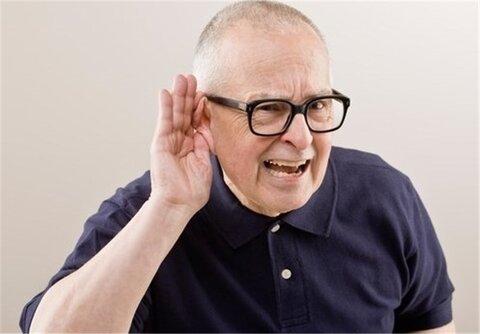 اگر برای بهتر شنیدن دستتان را پشت گوش بردید، به کمشنوایی مبتلا شدهاید!